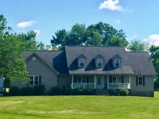 565 Beeny Rd, Manitou, KY