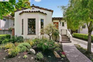 5686 Carberry Avenue, Oakland CA