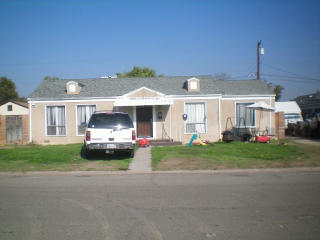 35 E Griffith Way, Fresno, CA