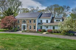5 Forest View Drive, Gladstone NJ