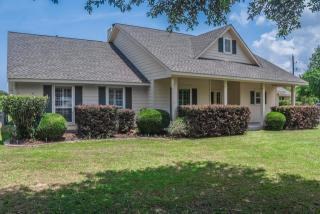 319 Brazos Oaks Court, Sealy TX