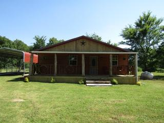 1410 County Road 45800, Blossom, TX