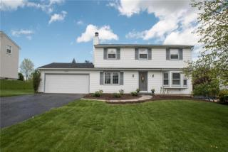 42 Red Post Crescent, Fairport NY
