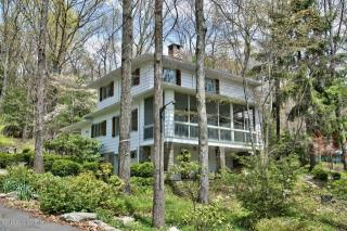 3164 Ledge Drive, Buck Hill Falls PA