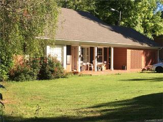 2221 Glenwood Drive, Gastonia NC