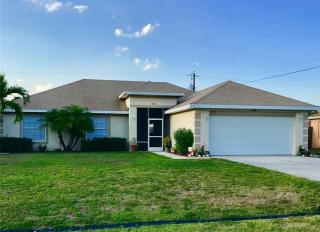 555 Southwest Ester Avenue, Port Saint Lucie FL