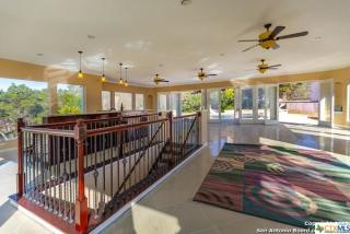 9895 Tower View, Helotes TX