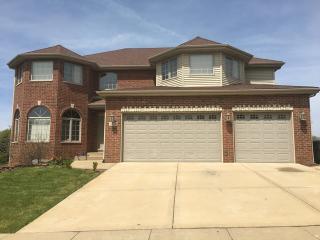 4854 Castle Dargan Drive, Country Club Hills IL