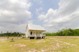 3034 French Santee Rd, Jamestown, SC