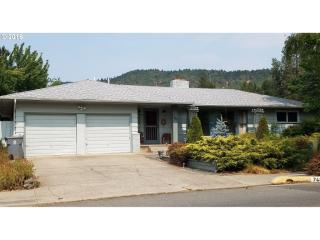 748 Northeast Savage Street, Grants Pass OR