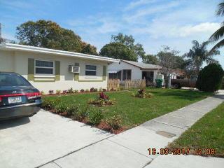 182 West 34th Street, Riviera Beach FL