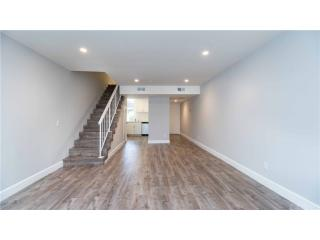 22041 Costanso Street #208, Woodland Hills CA