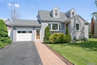 1217 Little Whaleneck Rd, North Merrick, NY