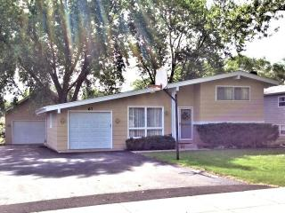 67 South Beck Road, Lindenhurst IL