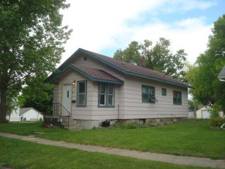 125 East Ronning Avenue, Appleton MN