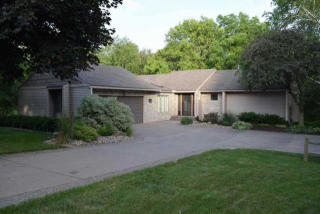 28017 230th St, Le Claire, IA