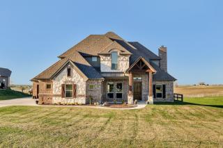 450 Ridgecrest Place, Sanger TX
