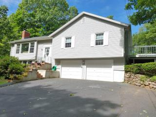 31 Mansfield Road, North Haven CT