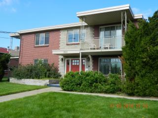 1821 Eaton St, Lakewood, CO