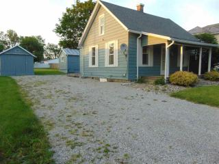 10726 S County Line Rd, Zanesville, IN