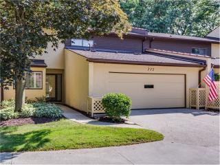 772 Hampton Ridge Drive, Akron OH