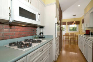 208 Hickory Ave, Tenafly, NJ