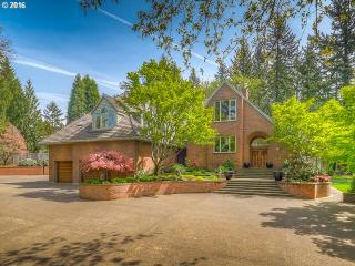 16 Dover Way, Lake Oswego, OR