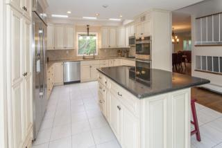 212 Highwood Ave, Tenafly, NJ