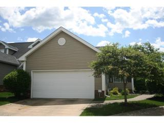 1840 Hickory Ln #27, Broadview Heights, OH