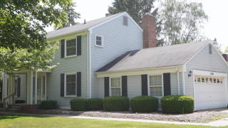 33565 Oak Point Cir, Farmington Hills, MI