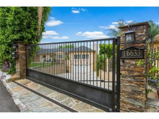 16633 Oak View Dr, Encino, CA