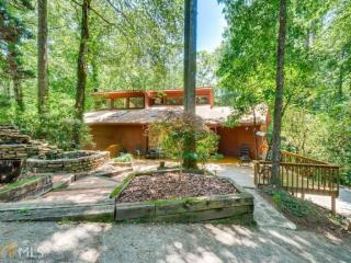 3781 Glengarry Way Northeast, Roswell GA