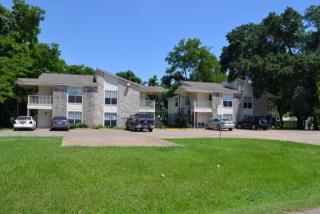 103-105 East Wells Street, Madisonville TX