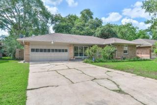 10815 Cedarhurst Drive, Houston TX