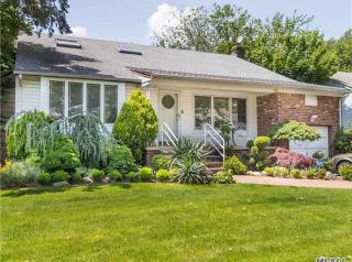 805 Oakleigh Road, Valley Stream NY