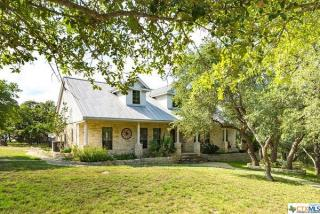 801 Rainbows End, Wimberley TX
