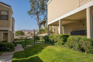 6491 Twin Circle Lane #2, Simi Valley CA