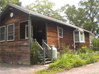 33 Housatonic Trail, Southbury CT