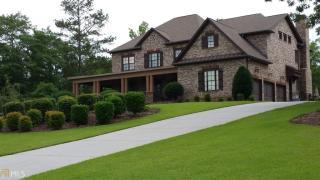 135 Waltham Way, Fayetteville GA