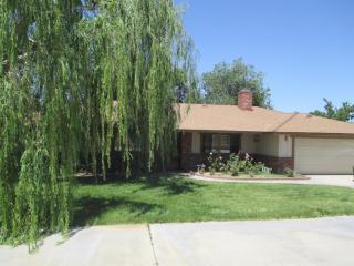 11828 Deep Creek Road, Apple Valley CA