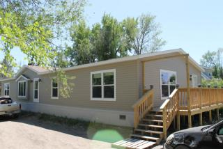 215 5th St N, New Town, ND