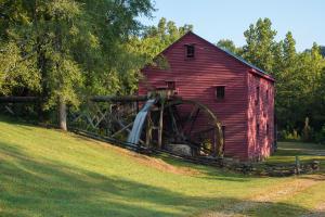 822 French Mill Road, Dandridge TN