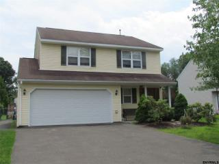 27 Wicken Sq, Colonie, NY