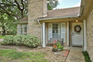 9630 Oldenburg Lane, Houston TX