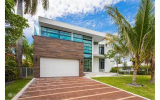 460 Sunset Drive, Hallandale Beach FL