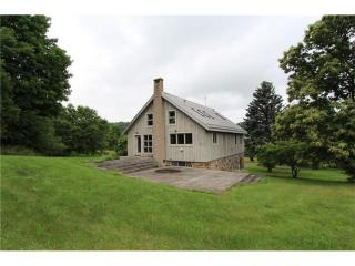 135 Willow Farm Drive, Stahlstown PA