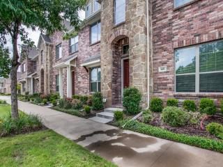 660 S Greenville Ave, Richardson, TX