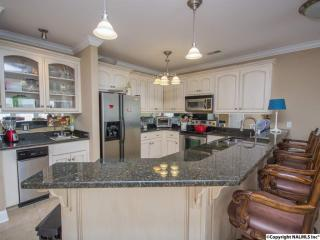 5590 Bay Village Dr, Athens, AL