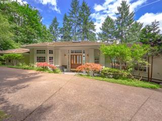 17390 Grandview Court, Lake Oswego OR