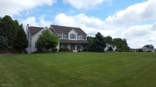 3 Pleasant View Manor Road, Pittstown NJ